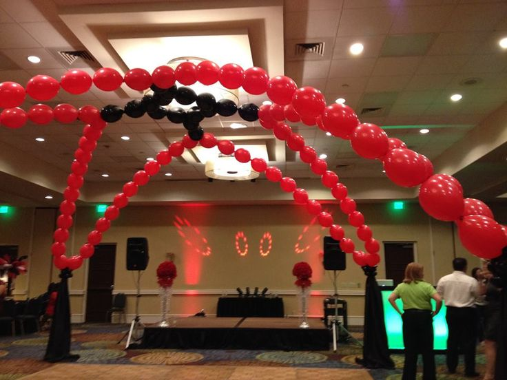 25 best homecoming and prom images on pinterest coming for Balloon dance floor decoration