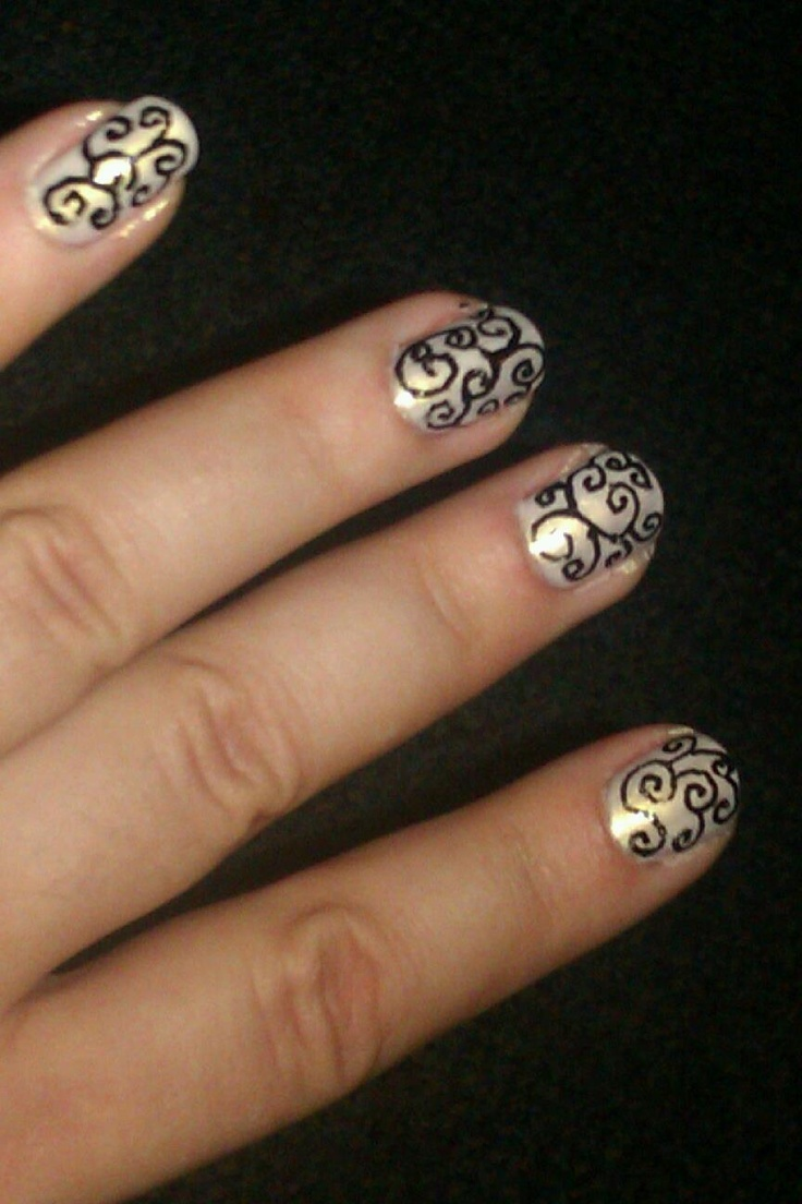 Patterned Gothic Nail Art
