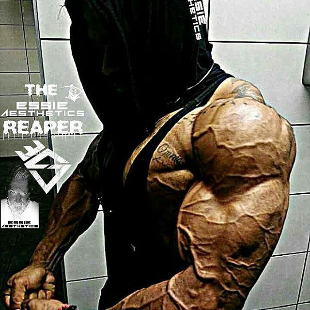None other than the👻☝️💥 reaper... @mr.reaper69! 😎💪💪 __________________________________   #goals #nevergiveup #work #abs #bodybuilding  #motivation #fitness #shredded  #gymmotivation #fitspo  #success #fitness #bestrong #fitnish #abs  #fitbod #guyswholift #fitfluential