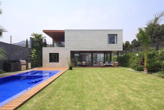 Subtracted House,© Juan Solano Ojasi