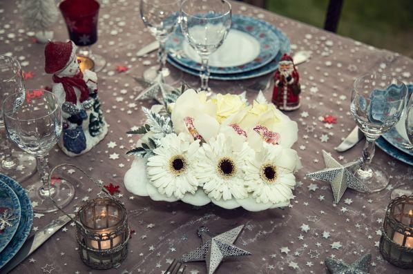 Carrément Fleurs dévoile ses secrets pour embellir les tables de fêtes http://www.pariscotejardin.fr/2015/12/carrement-fleurs-devoile-ses-secrets-pour-embellir-les-tables-de-fetes/