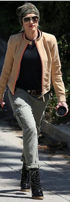 Who made  Gwen Stefanis green cargo pants and black boots that she wore in Los Angeles?