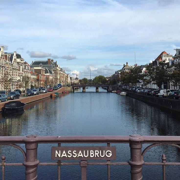 Blauwe lucht waren we aan toe  #nazomer #haarlem #haarlemcityblog #nassaubrug #nieuwegracht