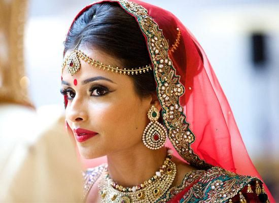 Style Guide For Modern Indian Brides To Achieve Minimal Look On Their Wedding