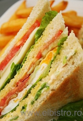 El Bistro Club Sandwich