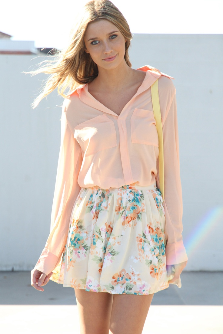 peach peach peach: Floral Skirts, Floral Prints, Dreams Closet, Soft Colors, Flowers Prints, Street Style, Cute Outfits, Summer Outfits, Spring Outfits