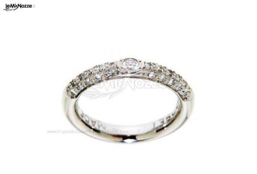 http://www.lemienozze.it/operatori-matrimonio/gioielli/esposito-gioielli/media Anello in oro bianco e diamanti, splendidi gioielli per il matrimonio
