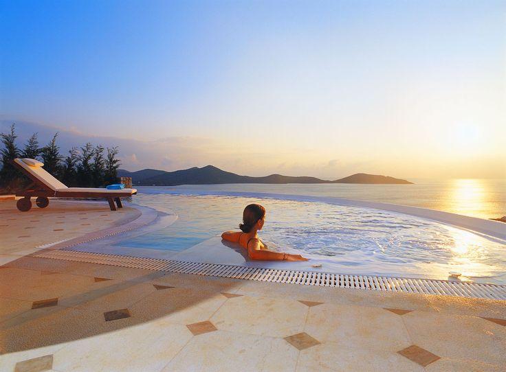 Feel the Greek #summer at the #Mediterranean #Villa #privacy #pool with #jacuzzi #EGV #EloundaGullfVillas