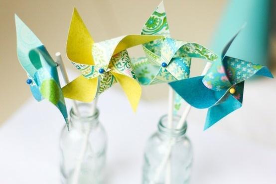 papieren windmolen als decoratie