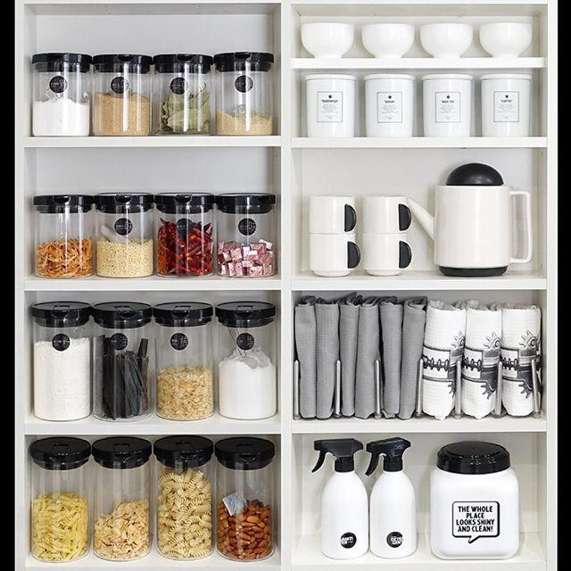 tuuliさんの、見せる収納,MONOTONE,収納,白黒,白黒グレー,モノトーン,食器棚,キッチン収納,Kitchen,のお部屋写真