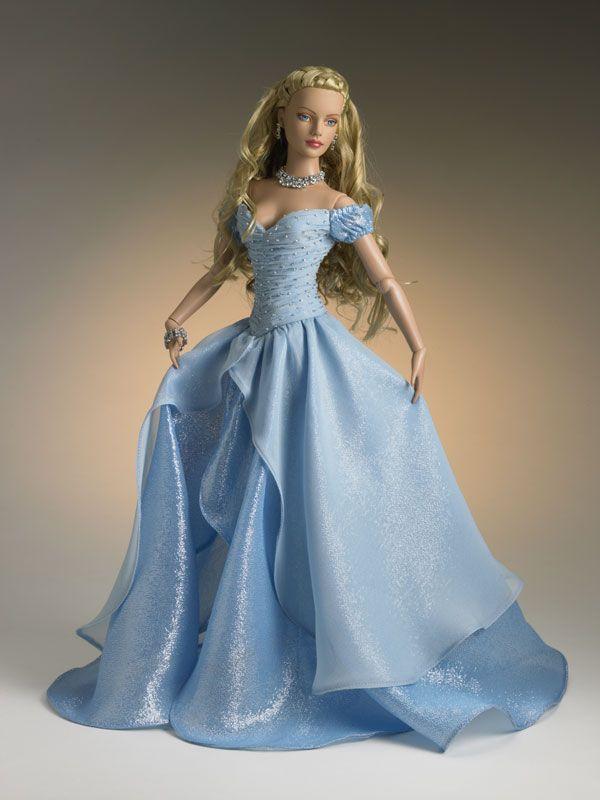 Blue Aurora. Tonner Barbie doll