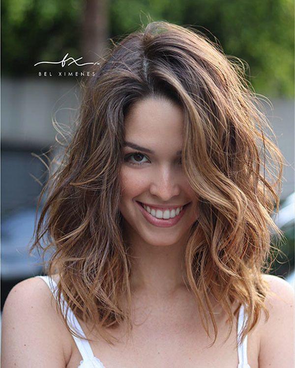 Medium Short Wavy Hair Popular Short Wavy Hairstyles 2019 Short Wavy Hair Natural Wavy Hair Wavy Hairstyles Medium