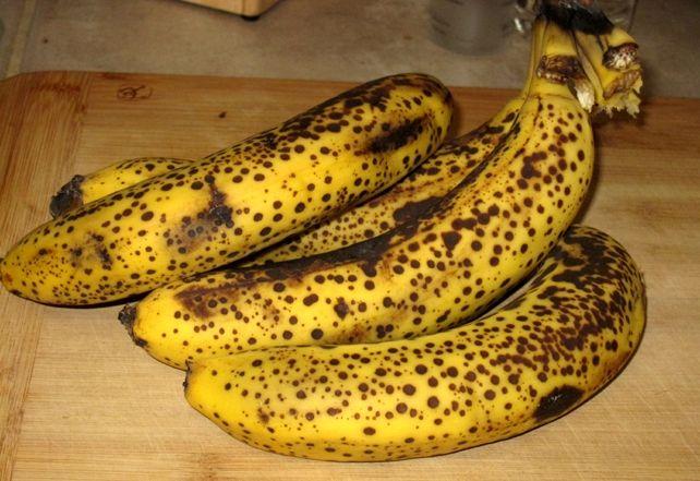 Vous devriez être très prudent la prochaine fois que vous décidez d'acheter des bananes si vous les appréciez. Il est rare que quelqu'un puisse leur résister, car c'est tellement délicieux, mais il y a une chose que vous devez savoir avant d'acheter ces fruits aux saveurs tropicales. Les bananes qui sont en pleine maturité produisent …