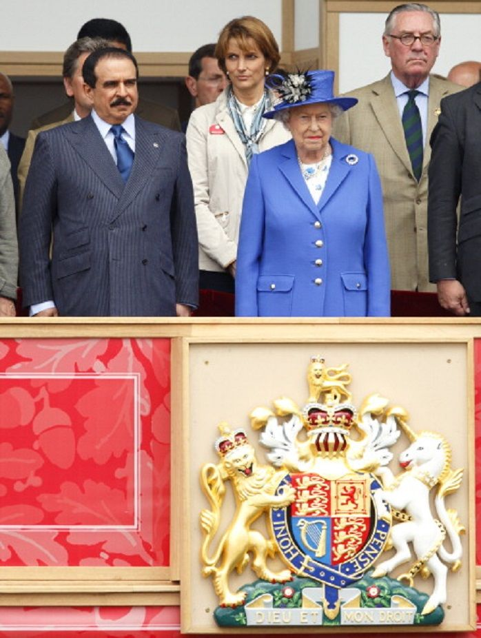 King Of Bahrain And Queen Elizabeth II Watch The Services Team Jumping Event From Royal Box On Day 4 Windsor Horse At Home Park In