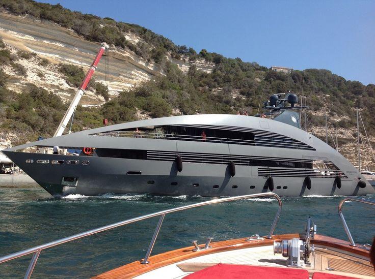 Yacht di lusso Ocean Pearl avvistato a Bonifacio (FOTO)