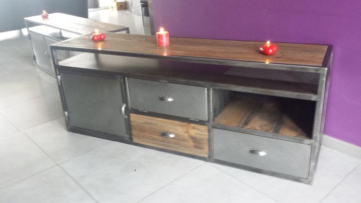 Meuble de tv style industriel acier et bois mobilier for Meuble tv style loft