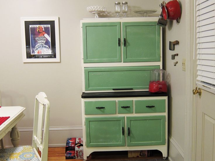 42 best images about hoosier cabinets on pinterest white for 1930s kitchen cabinets for sale