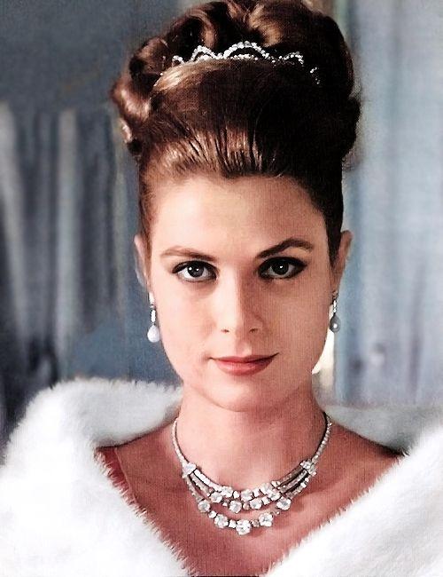 Princess Grace of Monaco wearing a Diamond Tiara.  Via @wiesje12. #PrincessGrace #GraceKelly