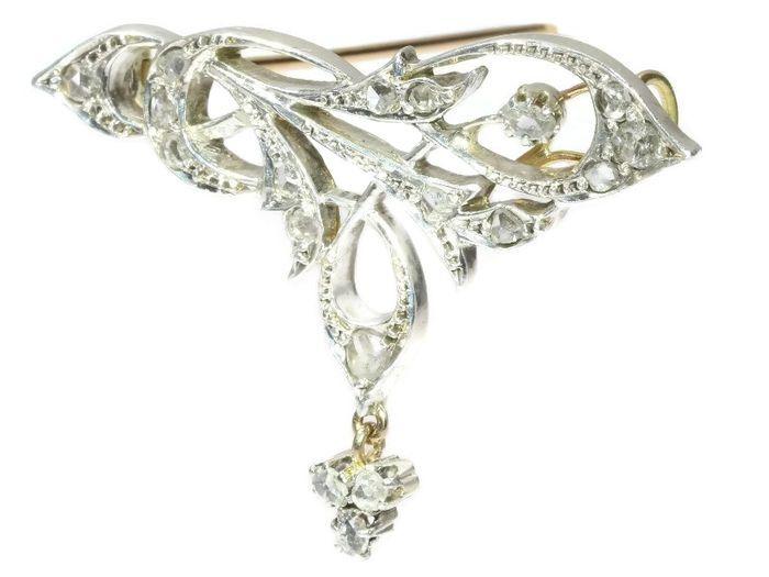 Online veilinghuis Catawiki: Klassieke Art Nouveau zilver op goud broche met roosgeslepen diamanten