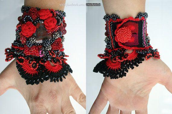 Carmen negro y rojo del ganchillo del manguito con por ellisaveta