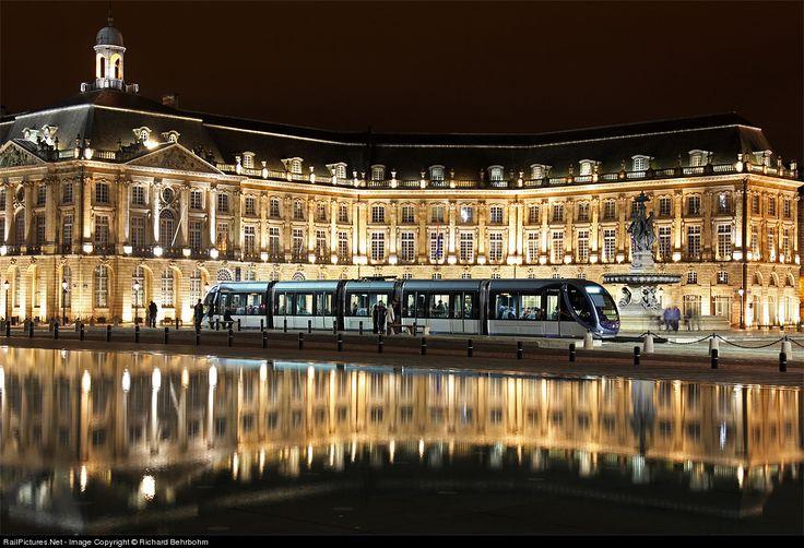 RailPictures.Net Photo: Tram et bus de la CUB (TBC) unknown at Bordeaux, France by Richard Behrbohm