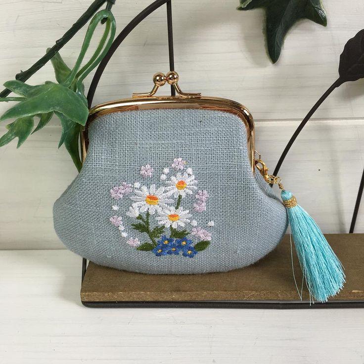 マーガレットがま口 #embroidery #刺繍 #マーガレット#がま口