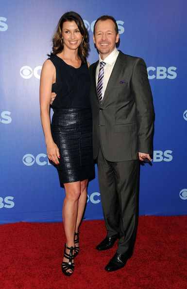 """Donnie Wahlberg Bridget Moynahan Photos - The cast of """"Blue Bloods"""" (L-R) Will Estes, Donnie Wahlberg, Bridget Moynahan and Tom Selleck attend the 2010 CBS UpFront at Damrosch Park, Lincoln Center on May 19, 2010 in New York City. - Donnie Wahlberg and Bridget Moynahan Photos - 33 of 37"""
