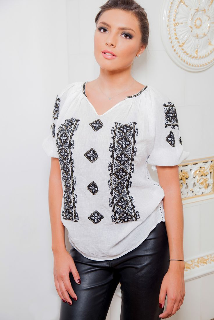 The elegance of a black and white outfit. #florideie #fashion #style #designer #romaniandesign #embroidery #unique #details #handmade