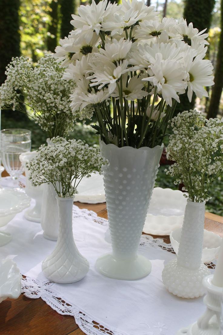 Milk glasses vases in all sizes, so perfect with classic, vintage, rustic, retro, garden , elegant wedding styles!
