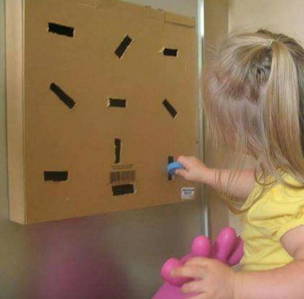 Oi gente!!!     Postei várias sugestões de atividades para trabalhar com os pequenos... todas fáceis de trabalhar! Com elas podemos explora...