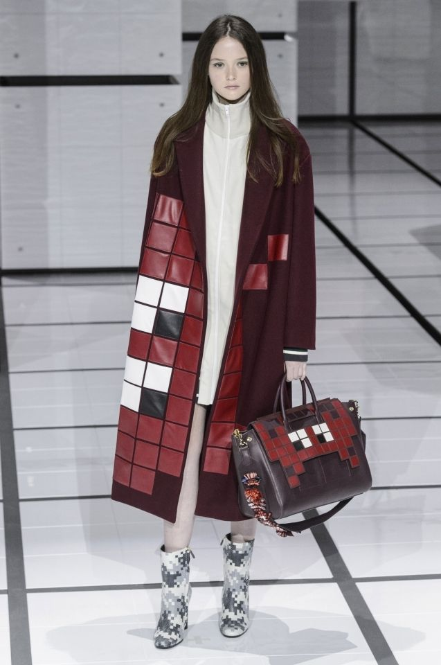 【SPUR】ANYA HINDMARCH(LOOK) - 2016-17年秋冬コレクション|COLLECTION(コレクション)bag, сумки модные брендовые, bags lovers, http://bags-lovers.livejournal
