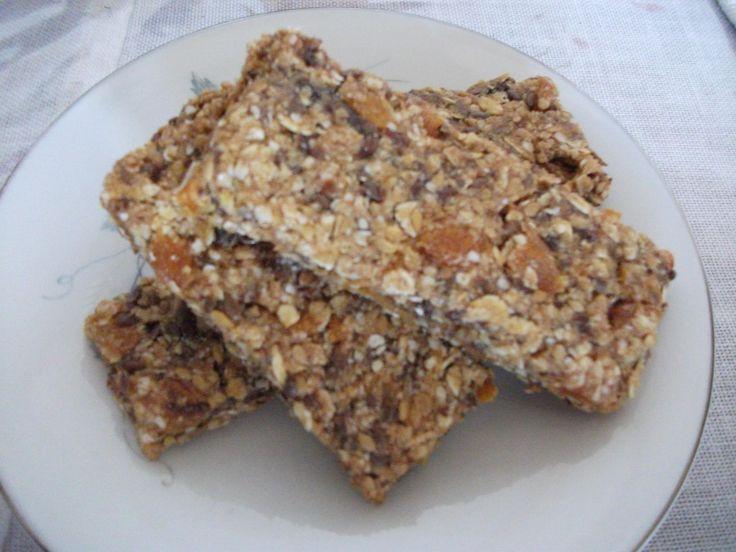 Receita de Barrinhas de cereais nutritivas. Enviada por Maicon Silva Nutrição e demora apenas 80 minutos.