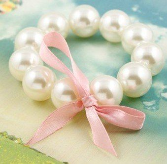 Little girl accessories pearl bracelets and necklaces great #DIY #Princess #Party activity