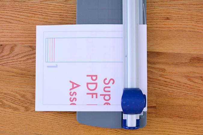 Superfast PDF Pattern Assembly - crafterhours | Bespaar tijd en frustratie met een papiersnijder en pritt-stift
