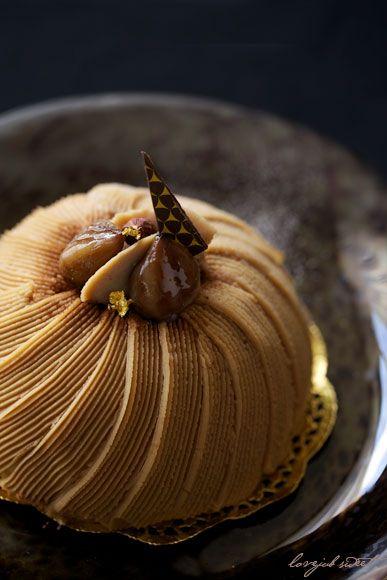 久しぶりにシャレた菓子を作ってみました。(v゚▽^)  大好きなモンブラン。 栗菓子はいつ食べても美味しぃ〜♡♡  こちらに新鮮な栗はな...