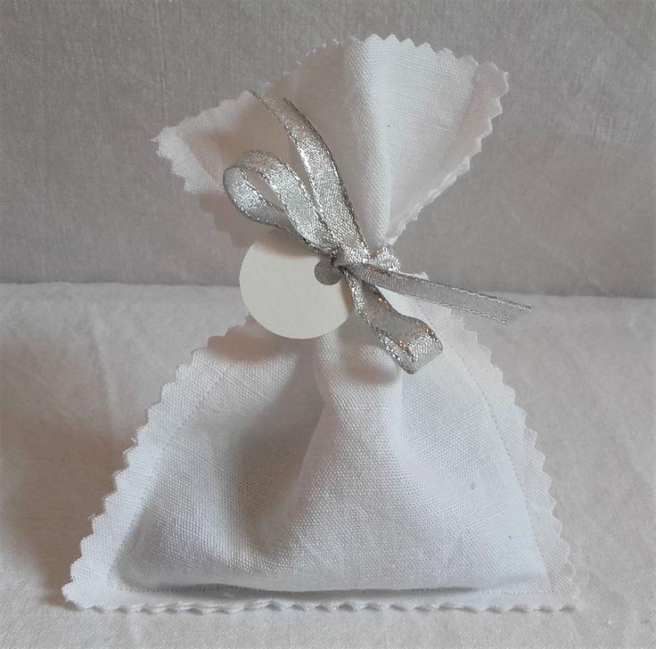 Pochette à dragées pour baptême, mariage, première communion crantée coton blanc ancien et argenté de la boutique MaisonTanteCath sur Etsy