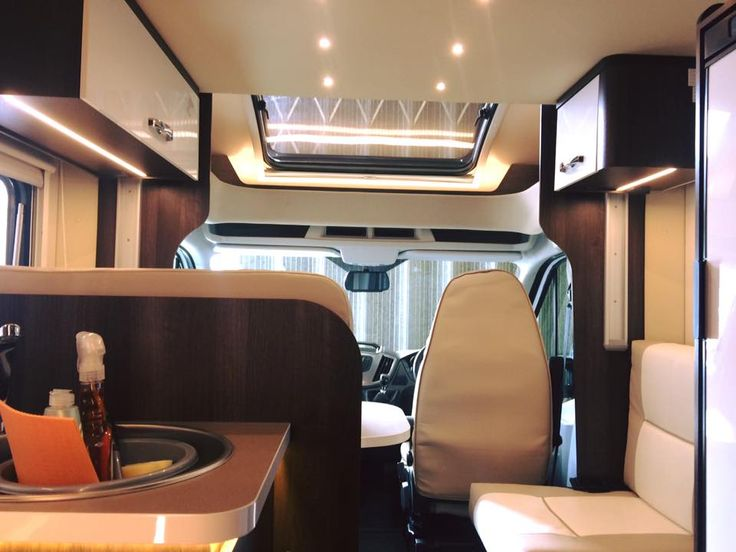 Luxury motorhome with a range of utilities - Go Solent motorhome hire