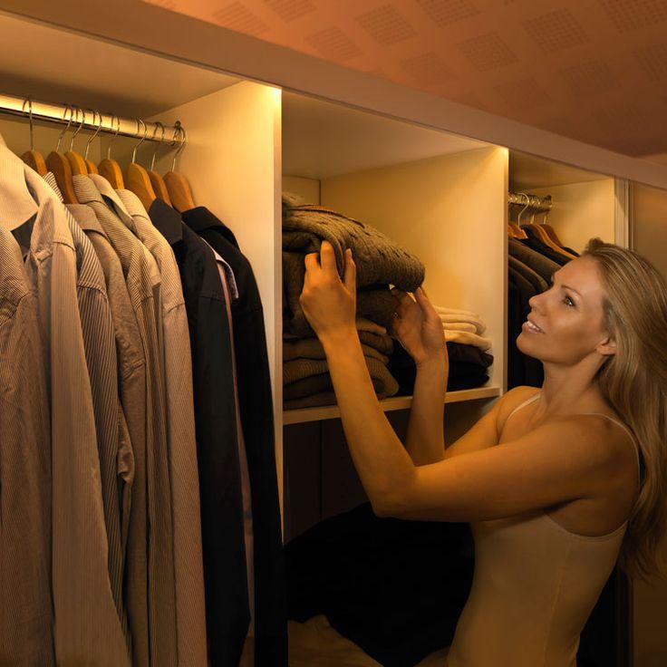 Closetlight lyser upp garderoben