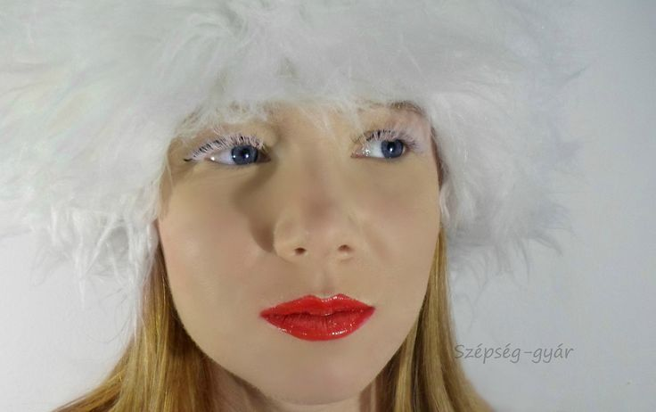 Eyelash extension-white lashes