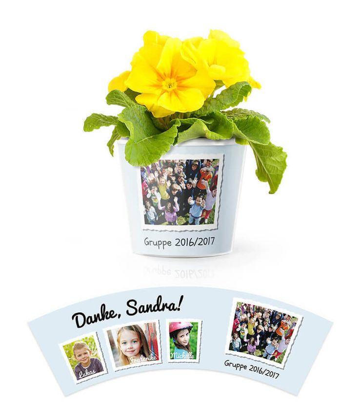 Kindergarten Abschied Blumentopf in Blau - Großes Gruppenfoto und 3 Fotos von den Kindern an den Seiten