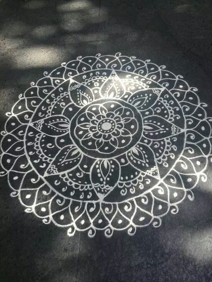1000 images about mandalas on pinterest henna canvas henna and mandala coloring pages. Black Bedroom Furniture Sets. Home Design Ideas