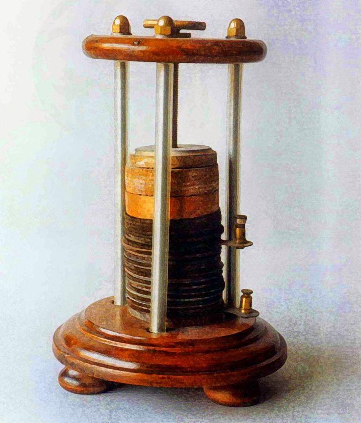 En 1800 Alessandro Volta había inventado la pila voltaica; permitiendo el suministro continúo de una corriente eléctrica para la experimentación.