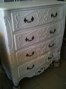 French Louis XV Traditional Chest of 4 Drawers $1400