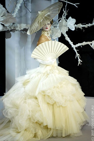 86 best images about dior couture accessories on for Couture vs haute couture