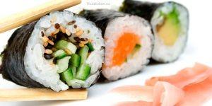 Zelf de lekkerste sushi van Nederland thuis maken! Zie hier het recept van Thuiskoken.nu! Of kijk in onze webshop http://www.qrtoko.nl/sushi-basis-thuispakket