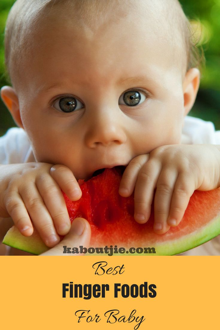 If you are doing baby-led weaning with your baby, or progressing from puree to more solids foods, here are some great finger foods to give your baby!  #BabyLedWeaning #BestFingerFoodsForBaby #BabyFood #BabyFingerFoods #StartingSolids