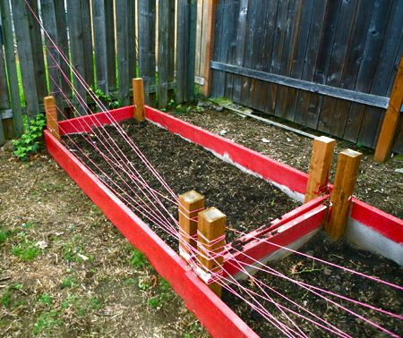 how to keep dogs out of garden beds let it grow garden yard ideas garden garden beds. Black Bedroom Furniture Sets. Home Design Ideas