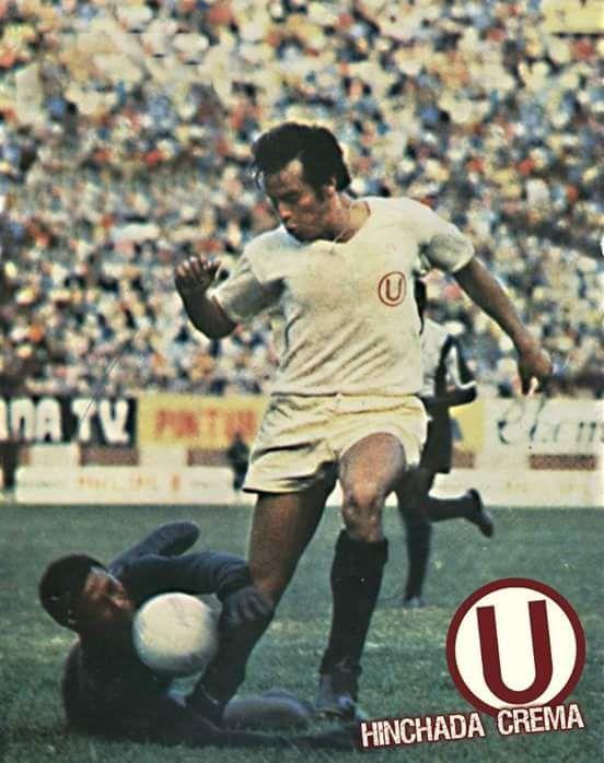 En 1974. Por el torneo descentralizado @Universitario derrotó 3 a 0 a la alianza de lima en el Estadio Nacional. Los goles lo hicieron Oswaldo Ramírez, Eleazar Soria y J.J Oré...