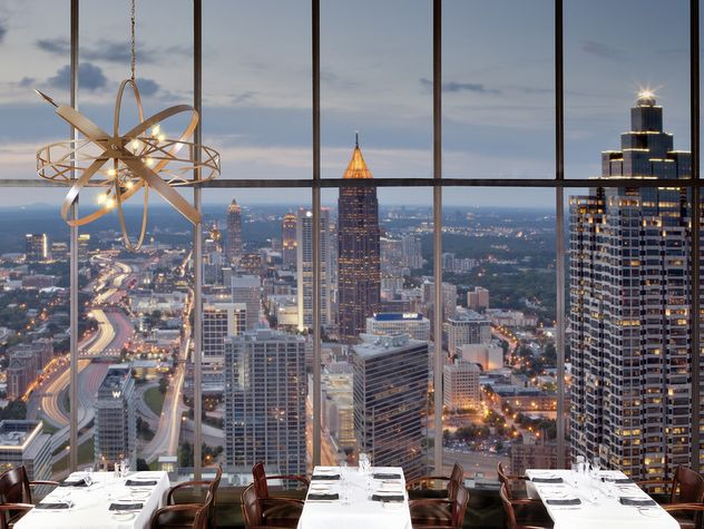 sundial restaurant at the top of the westin in atlanta ga i 39 ve been here a few times fantastic. Black Bedroom Furniture Sets. Home Design Ideas