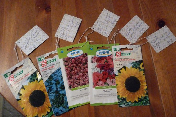 bedank cadeautje afscheid crèche, bloemenzaadjes met daaraan kaartje met 'bedankt dat je me hielp groeien'.